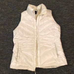 White The North Face vest